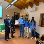 Il Rotaract consegna un defibrillatore alla Protezione Civile di Maniago